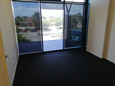 9 / 13 Discovery Drive , North Lakes