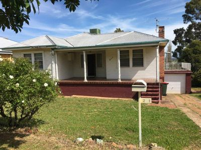 211 Carthage Street, Tamworth