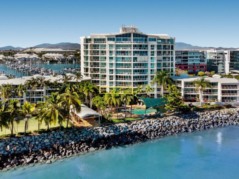 21 / 7 Mariners Drive, Townsville City