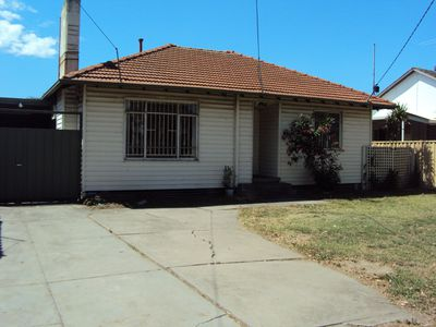 130 Churchill Avenue, Braybrook