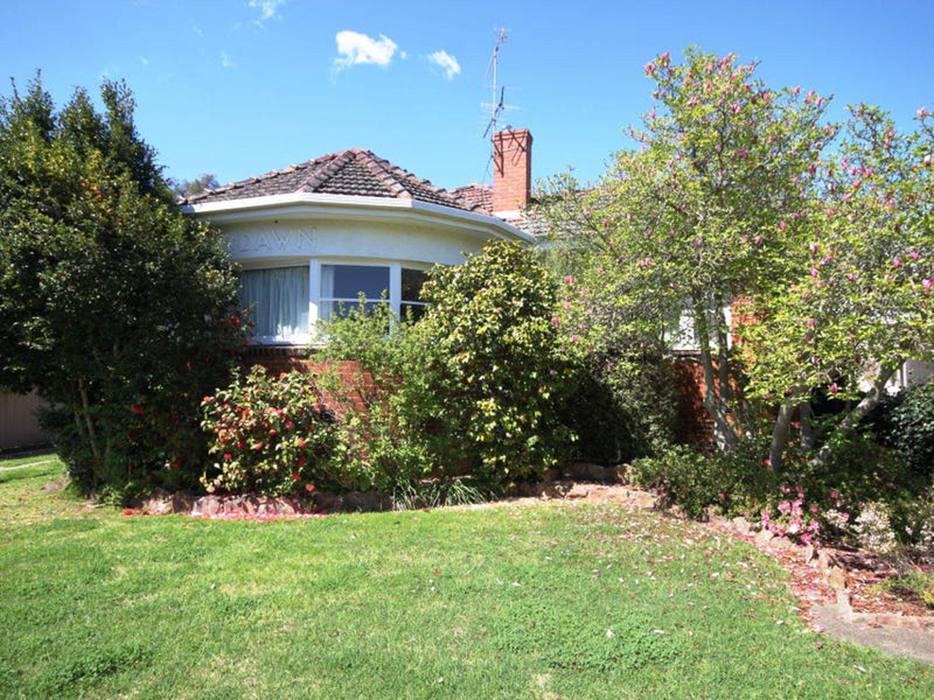 16 Dixon Street, Wangaratta