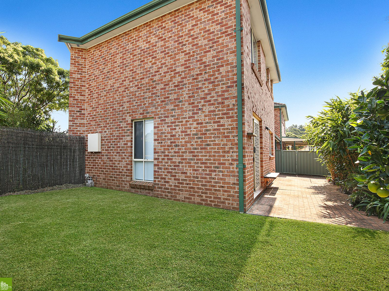 2 / 1 Platypus Close, Figtree