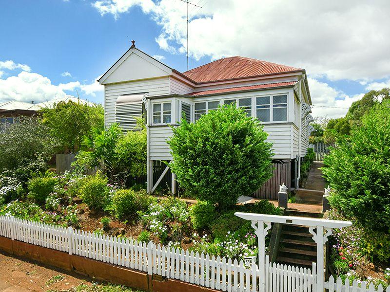 198 Ruthven Street, North Toowoomba