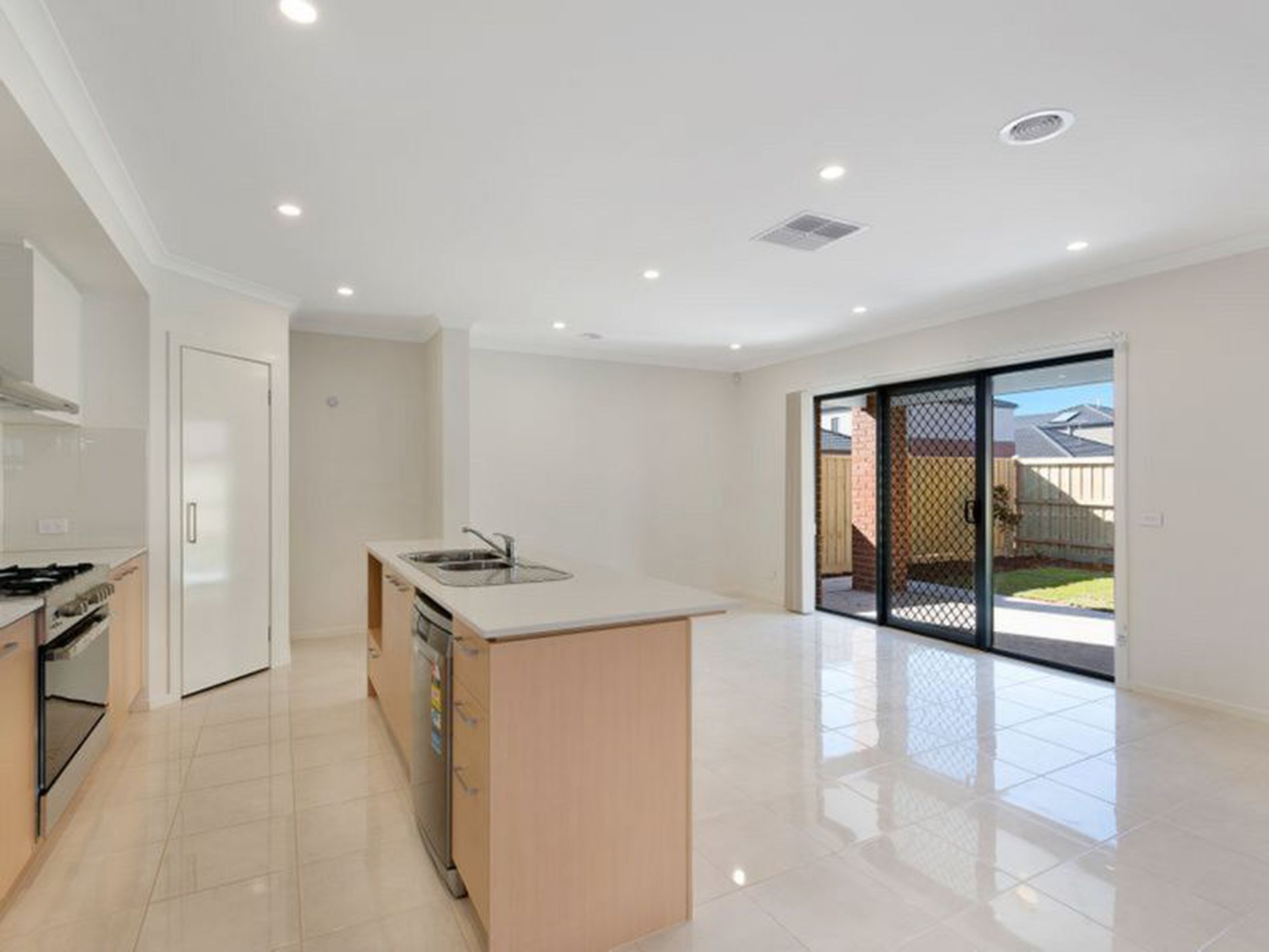 8 Dodson Drive, Point Cook
