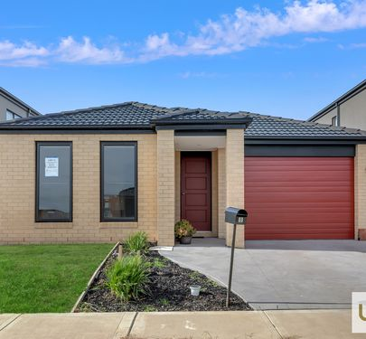8 Dalziell Crescent, Cranbourne North