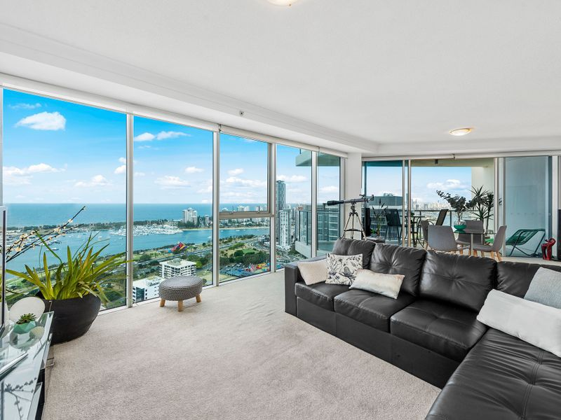 23701 / 5 Lawson Street, Southport