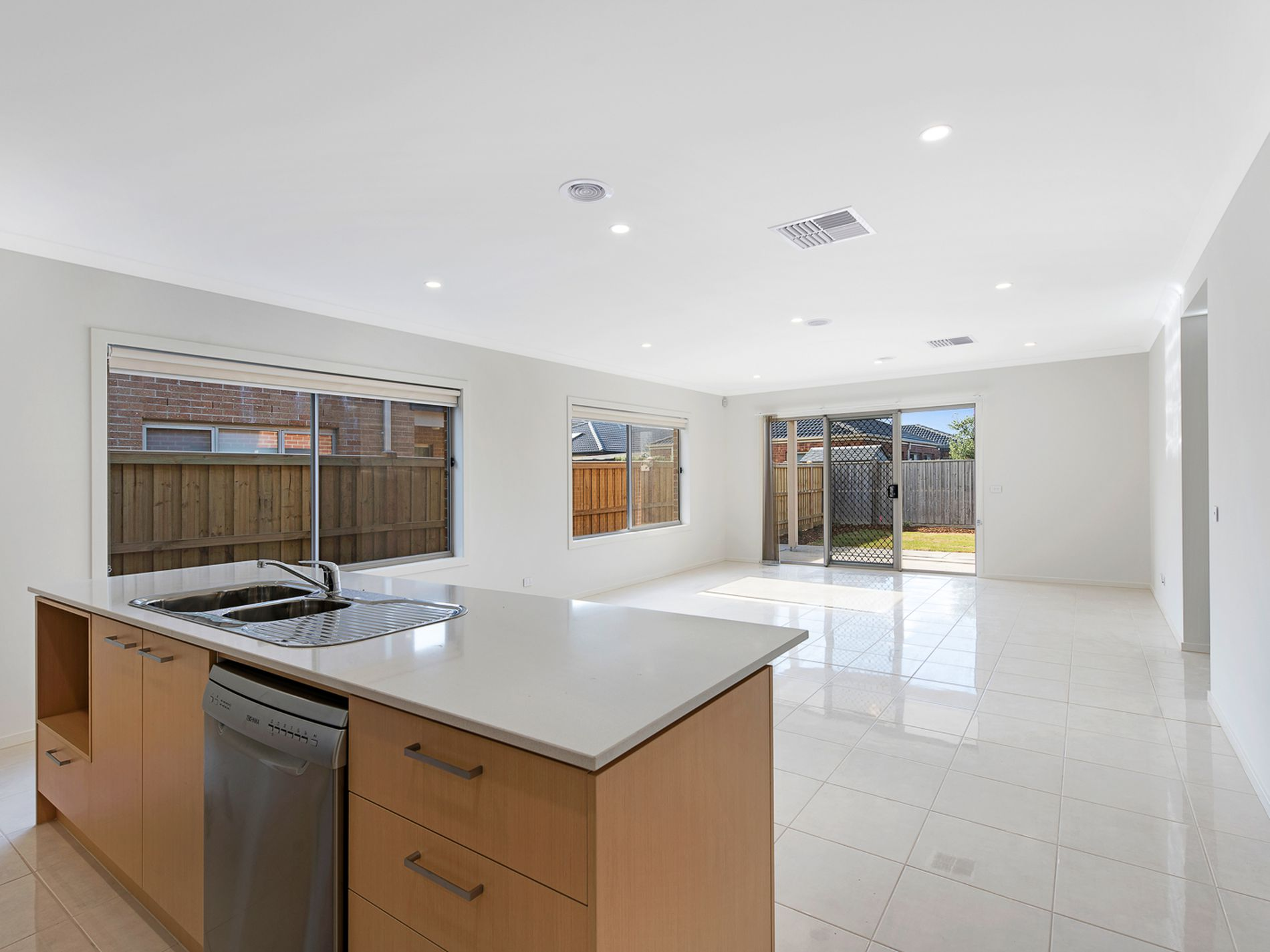45 Baycrest Drive, Point Cook