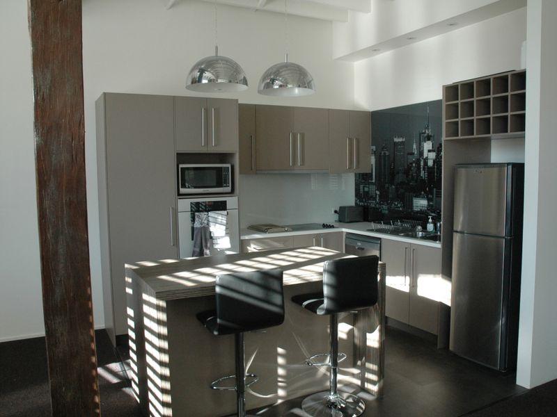 Stylish Furnished Apartment / 53 Vernon Terrace, Teneriffe
