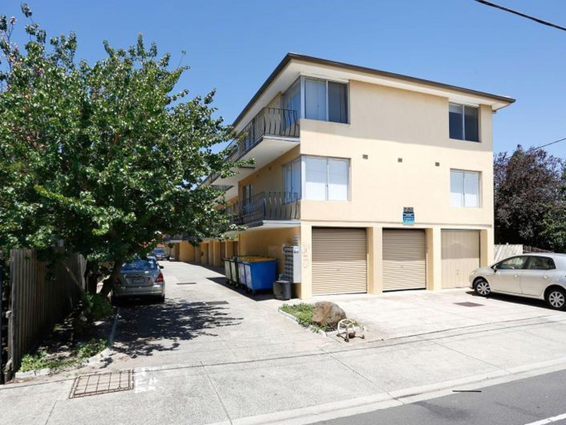 13/709 Barkly Street, West Footscray