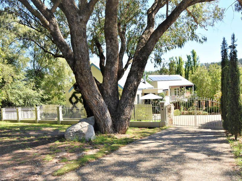 35 WOOD STREET, Beechworth