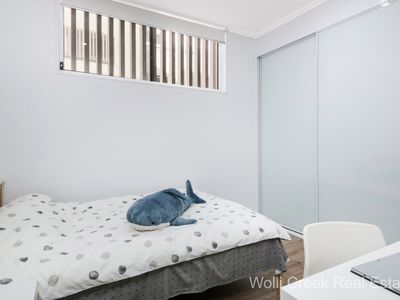 A109 / 16-22 Carlingford Road, Epping