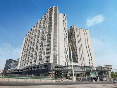1307 / 673 La Trobe Street, Docklands
