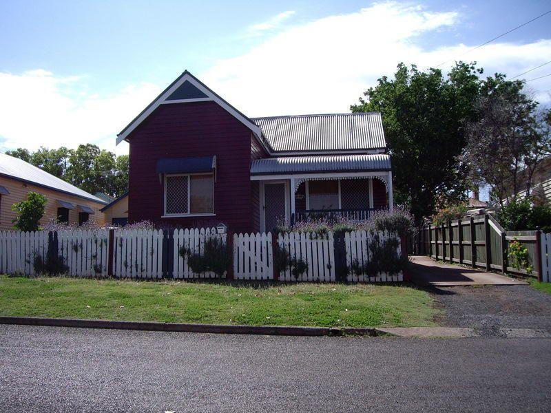 16 Allan Street, North Toowoomba