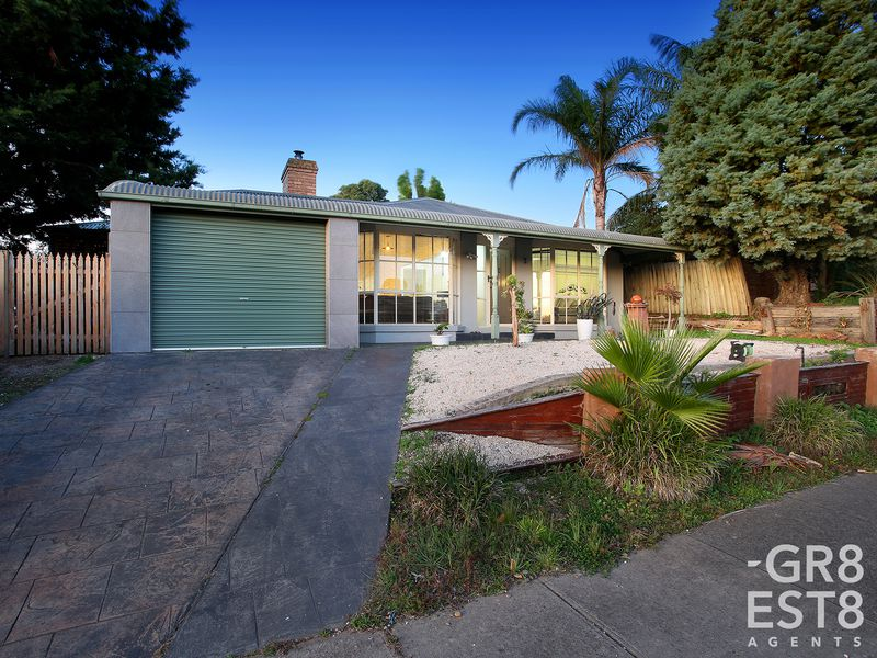 24 Phelan Drive, Cranbourne North