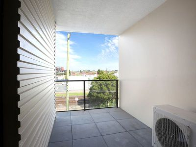 305A / 8 Clinch Avenue, Preston