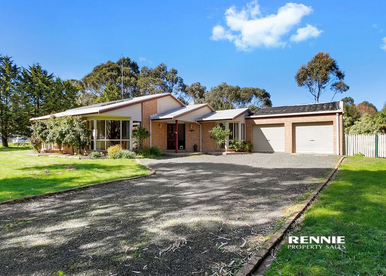 7 Denise Court, Churchill
