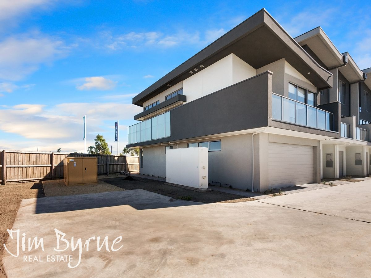 26 Topal Drive, Officer