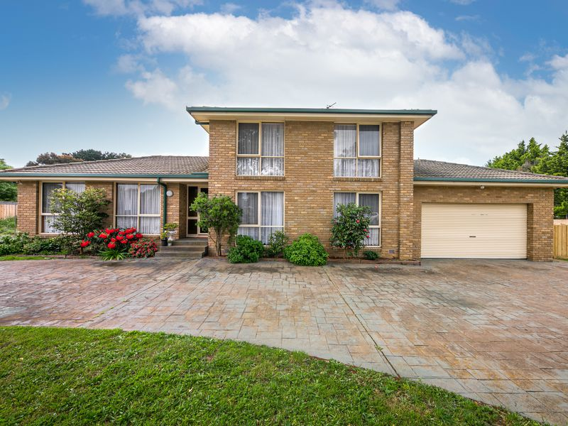 11 Redwood Court, Romsey