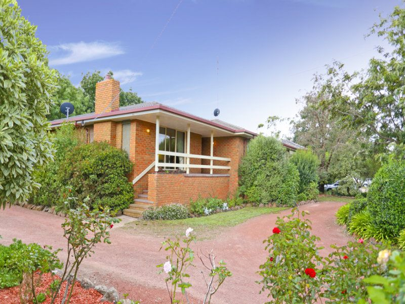 689 Ballarat Road, Batesford