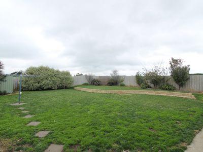 25 Huntingfield Drive, Warrnambool