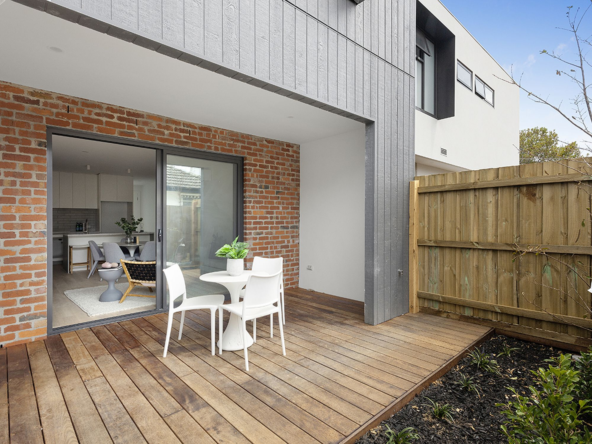 4 / 6 St Georges Avenue, Bentleigh East