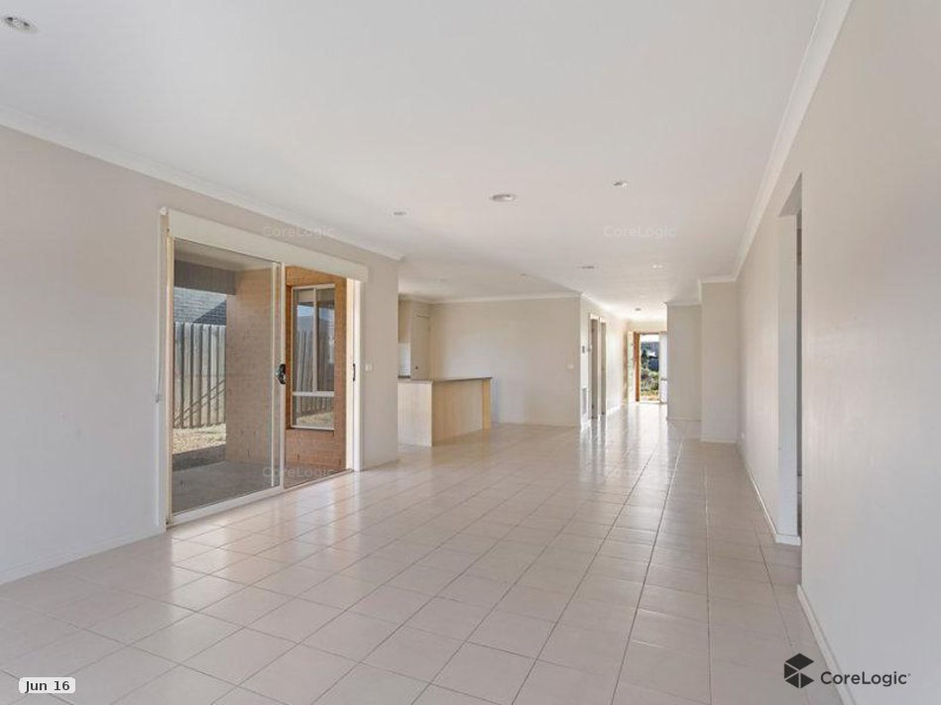 135 Featherbrook Drive, Point Cook