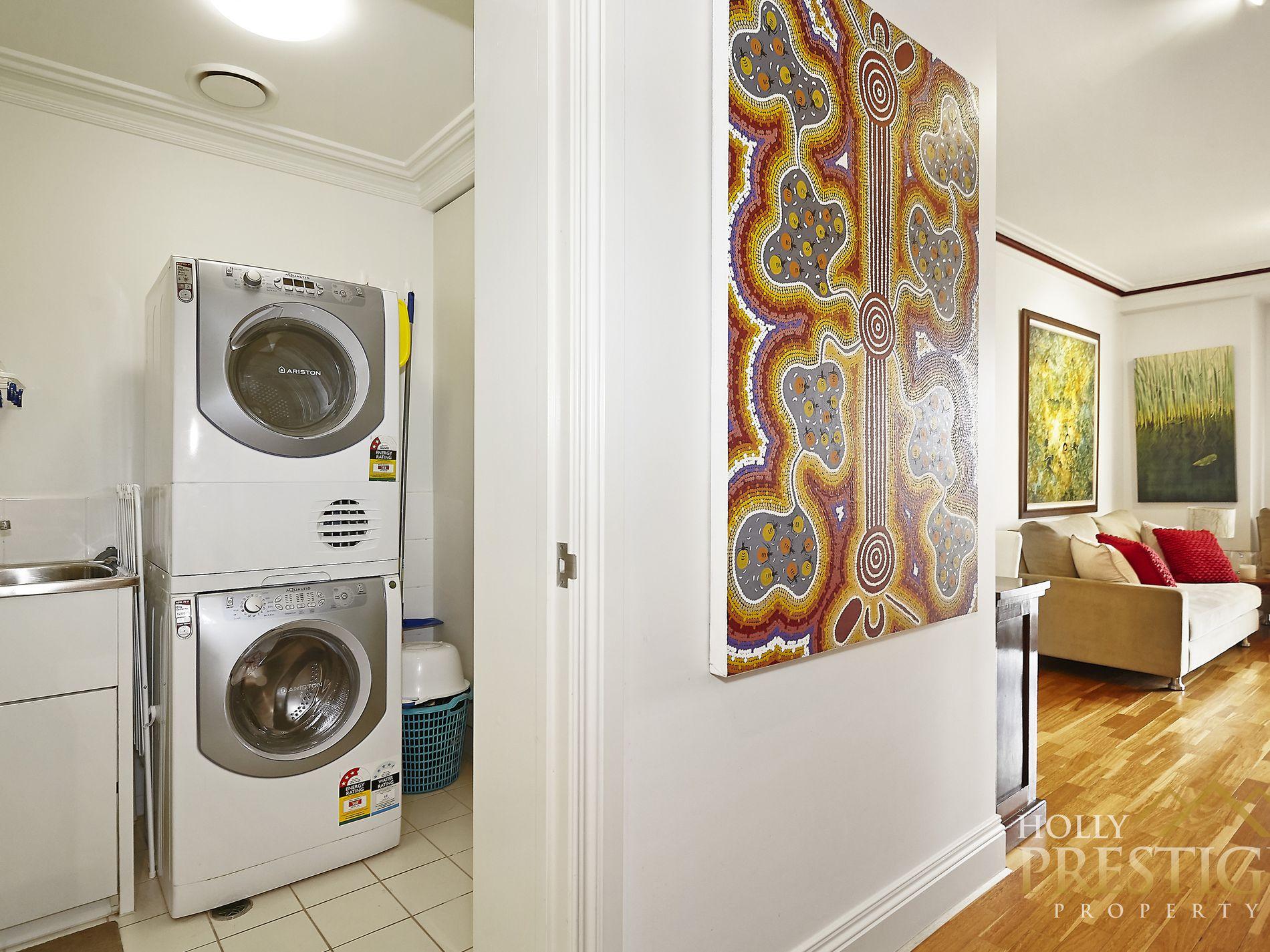 203 / 400 St Kilda Road, Melbourne