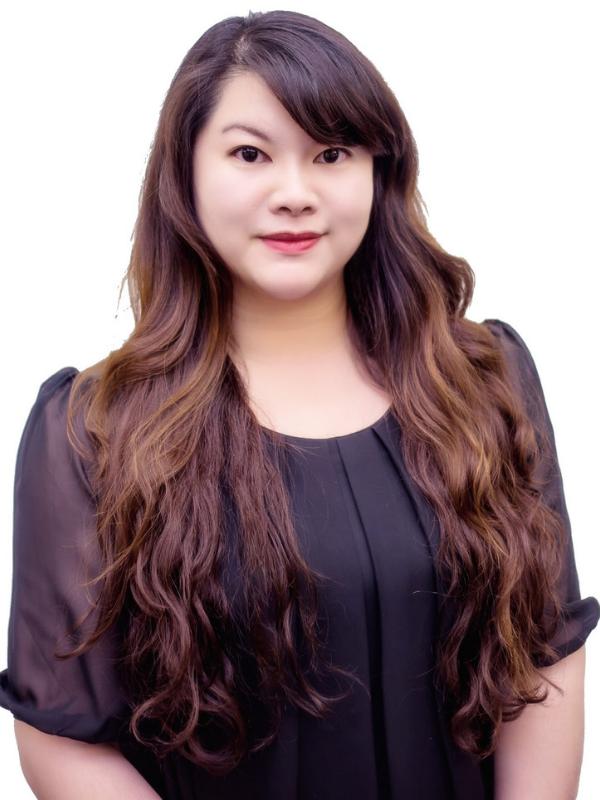 Amanda Fang