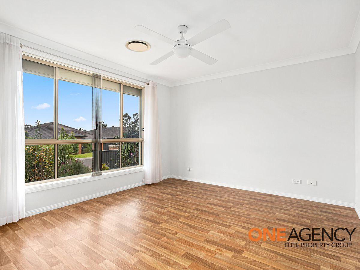 8 Spears Place, Horsley