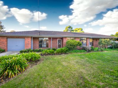 1 Digby Drive, Romsey