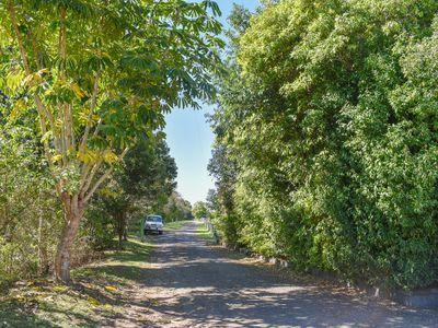 2 Newtons Road, Dumaresq Island