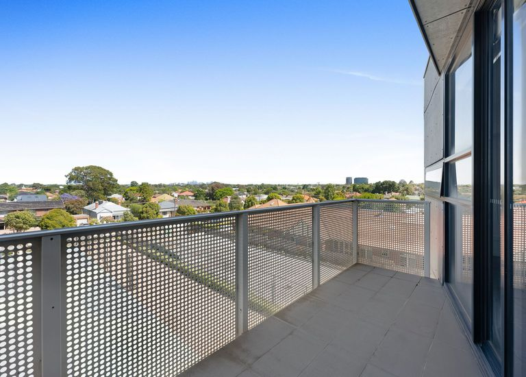 305 / 175 kangaroo Road , Hughesdale