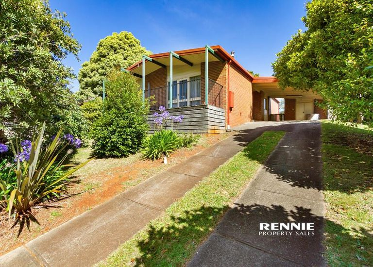 54 Pinnacle Drive, Rawson