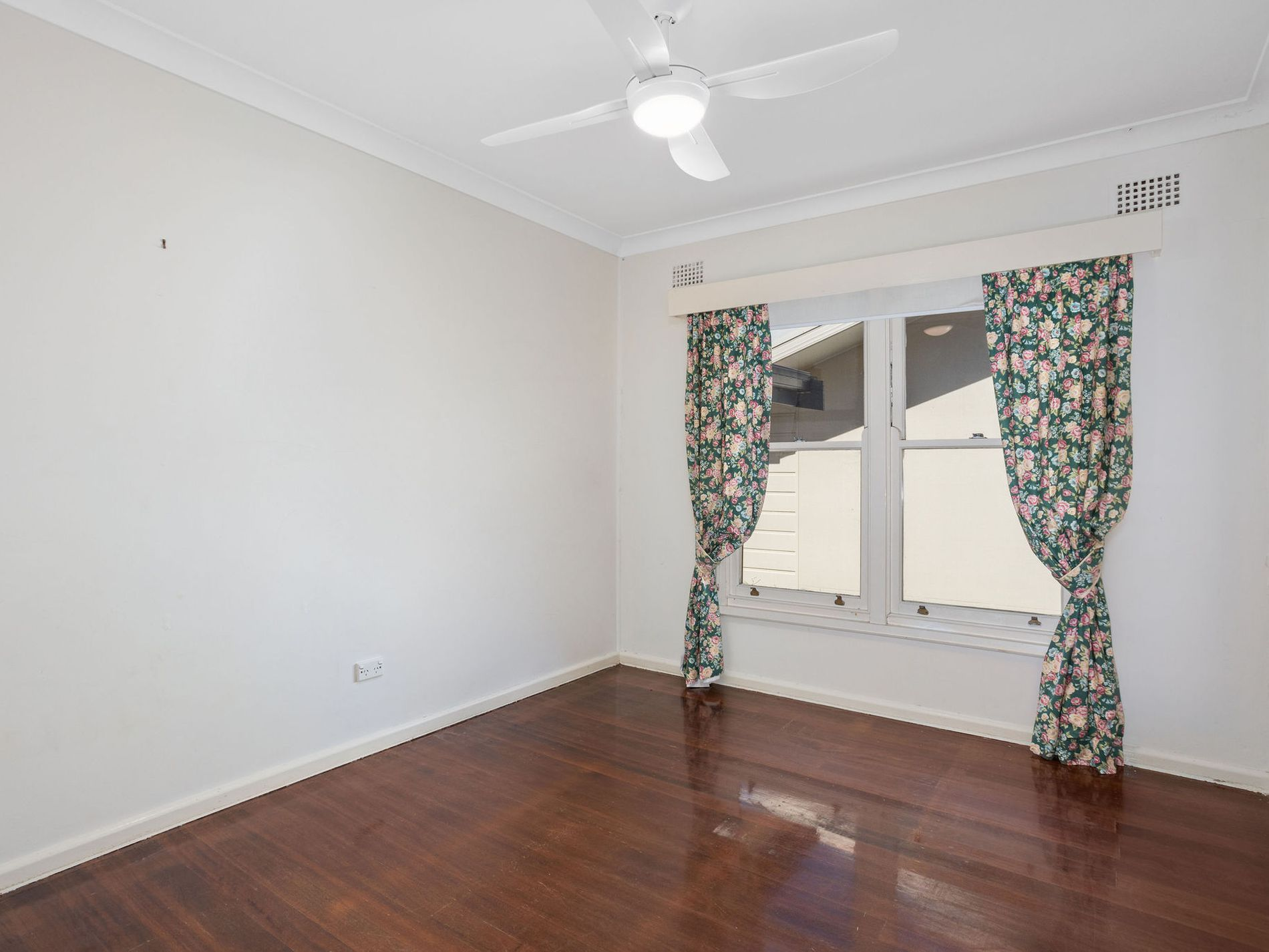 9 Burgess Road, Forster