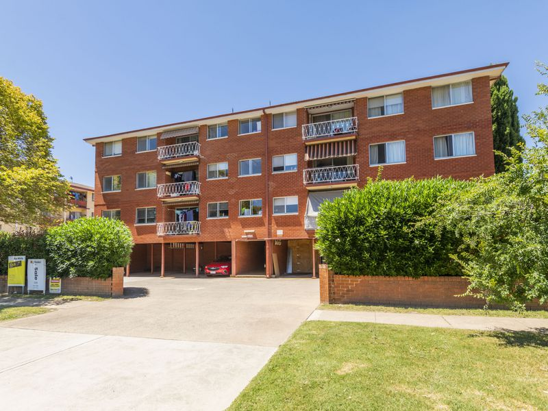 12 / 56 Trinculo Place, Queanbeyan East