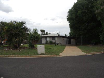 7 Menzies Court, Moranbah