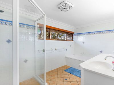 16 Morgan Close, Manly West