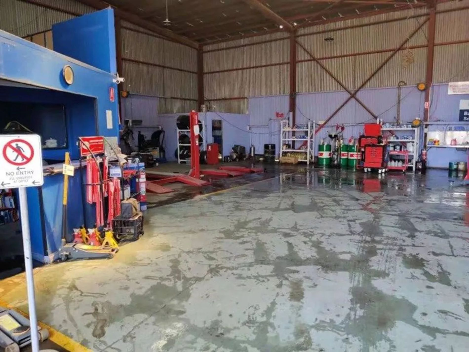 SOLD - Asset Sale Automotive Repair Workshop with 3 hoists included