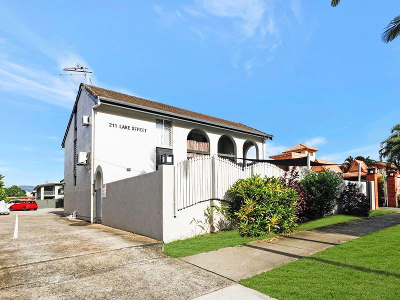 3 / 211 Lake Street, Cairns City