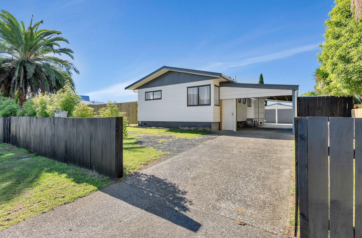 14 Townsend Place, Tikipunga