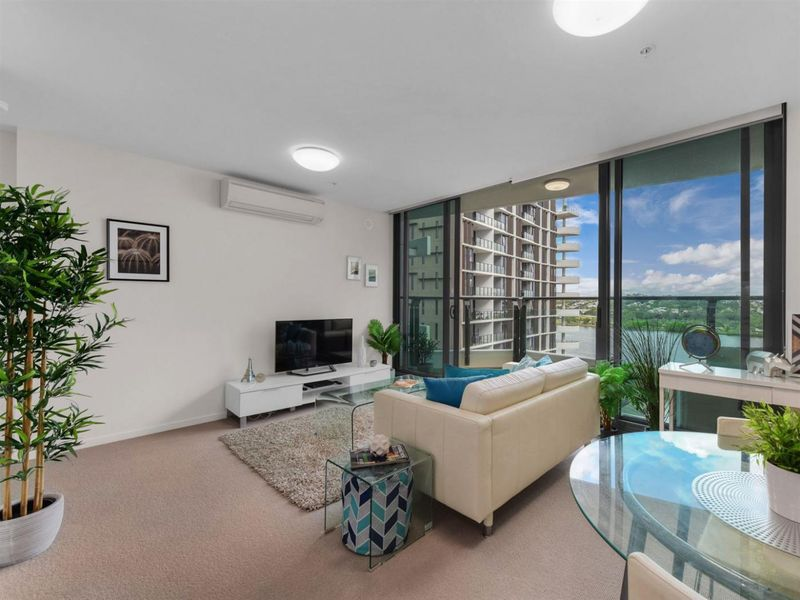 1006/37B Harbour Road, Hamilton