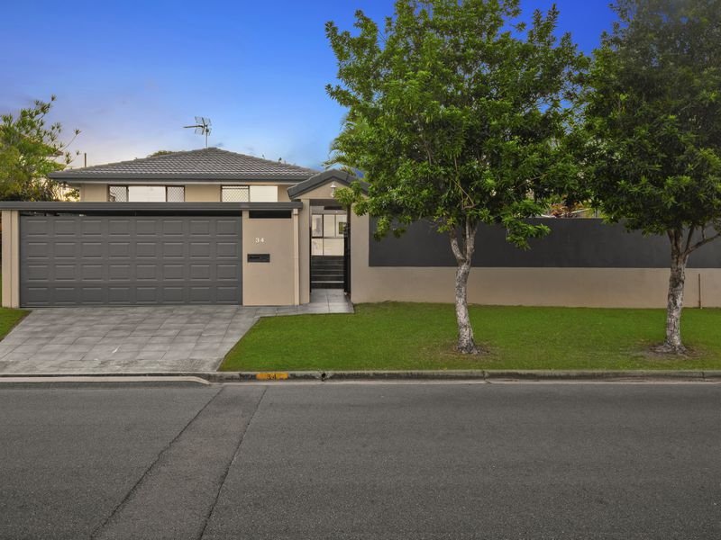 34 Camelot Crescent, Hollywell