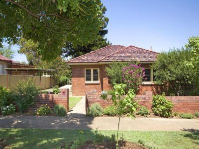 139 Carthage Street, East Tamworth