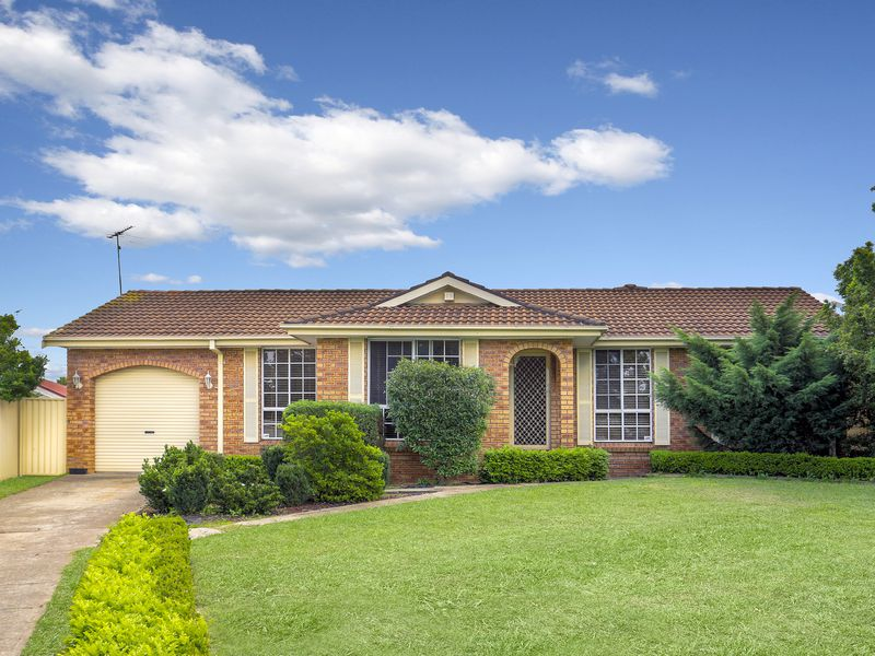 5 Chad Place, St Clair