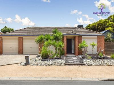 8 Kenross Close, Point Cook