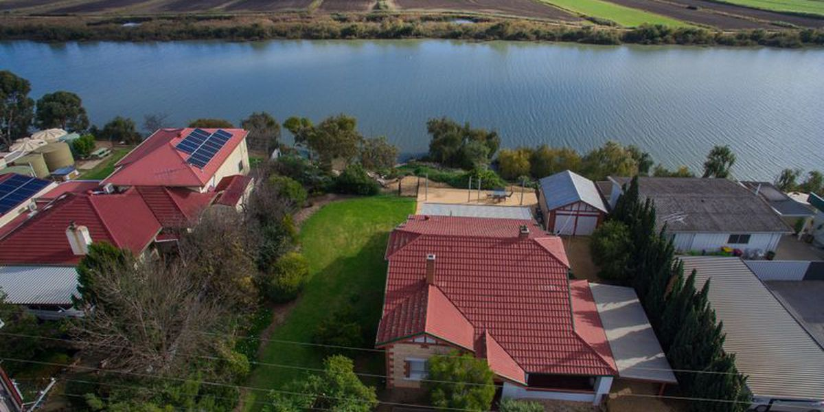 NEW PRICE for rare Tailem Bend Waterfront!