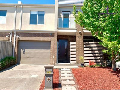 2 / 24 Findon Court, Point Cook