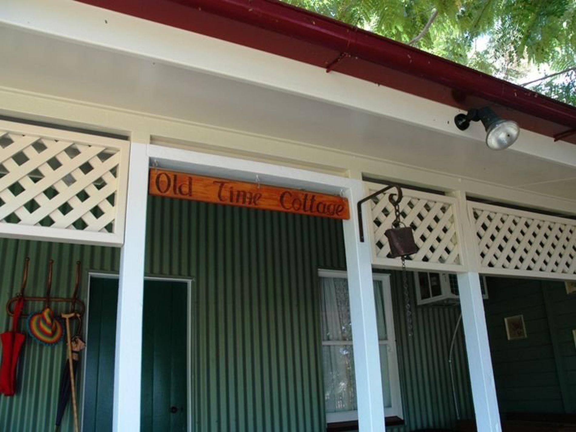 158 Crane Street, Longreach