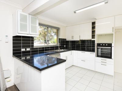 4 / 60 Trinculo Place, Queanbeyan East