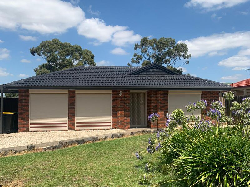 12 Grenville Place, Melton West